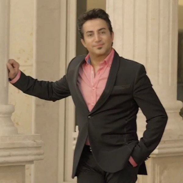 http://dl.rasanejavan.com/radiojavan%201393/dey%2093/06/Saeed%20Shayesteh.JPG