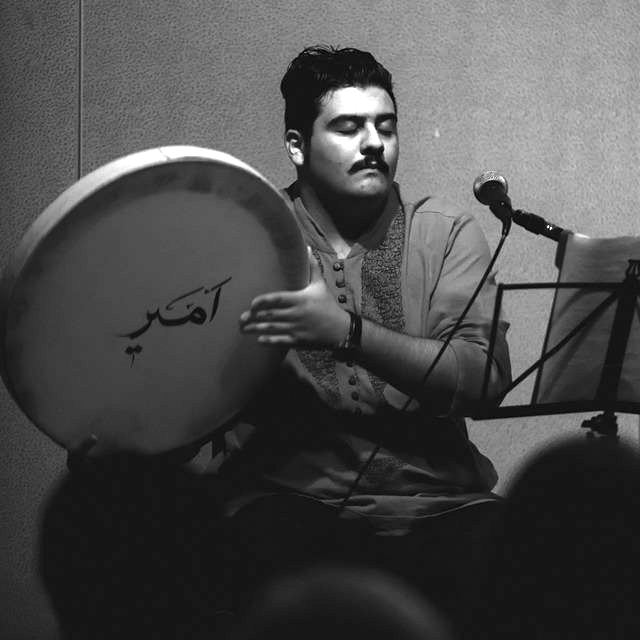 http://dl.rasanejavan.com/radiojavan%201394/bahman%2094/03/Amirhossein-Eftekhari__1453464166.jpg